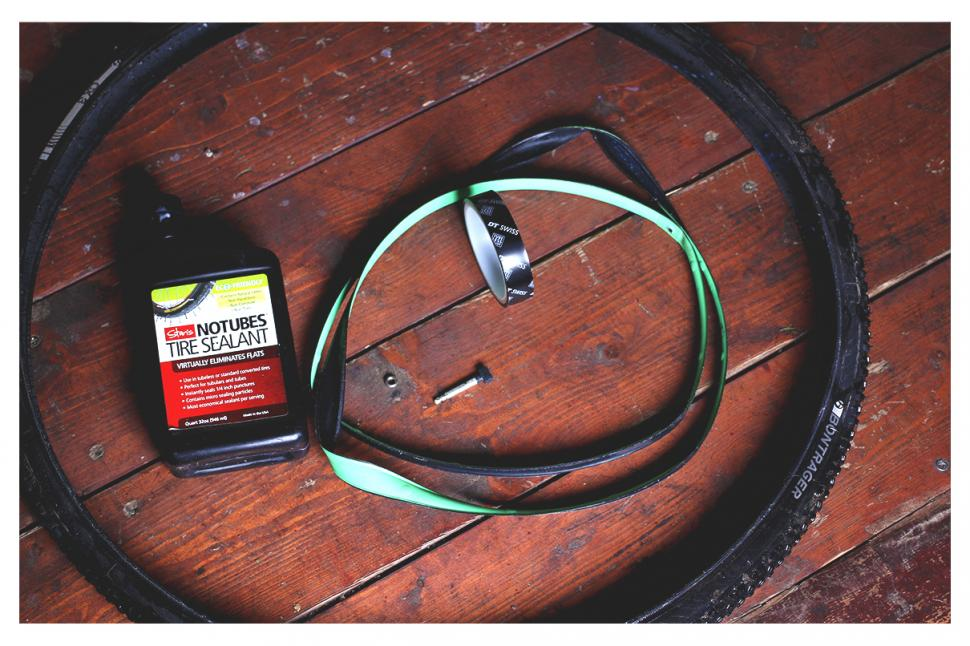 How to fit a tubeless tyre — step 1.jpg