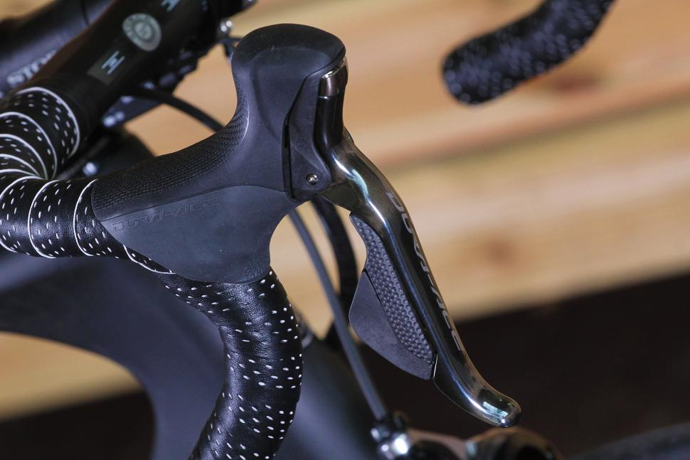 Storck Aerfast Platinum - lever.jpg