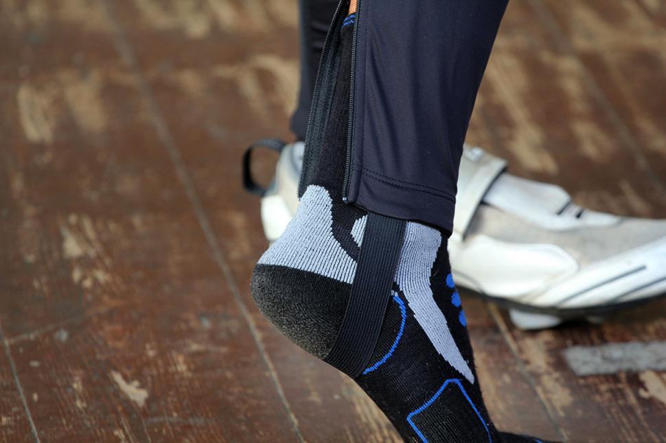 Sugoi Rs SubZero Bib Tights - ankle.jpg