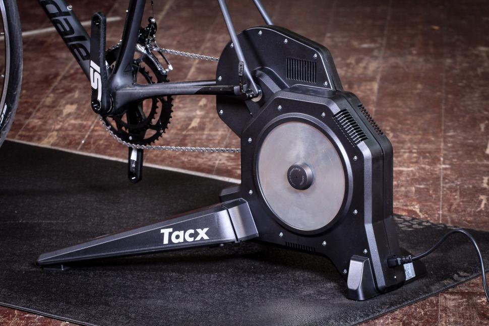 Tacx Flux -1.jpg