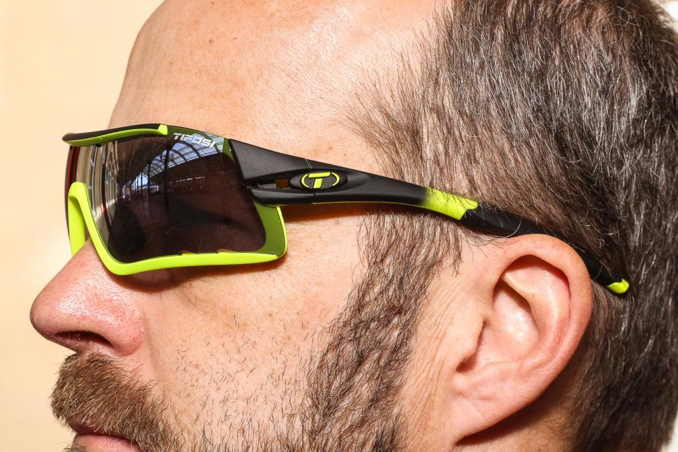 Tifosi Davos Race Neon Interchaneable 2018 Sun Glasses 2.jpg