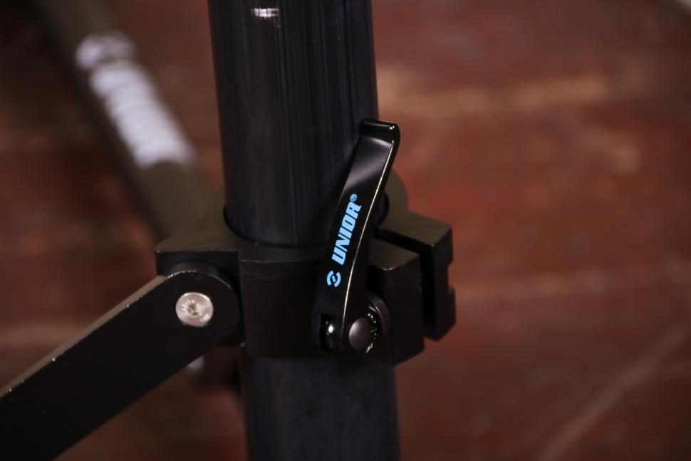 Unior Bikegater Plus Repair Stand - qr.jpg
