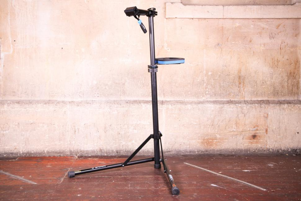 Unior Bikegater Plus Repair Stand - with tool try.jpg