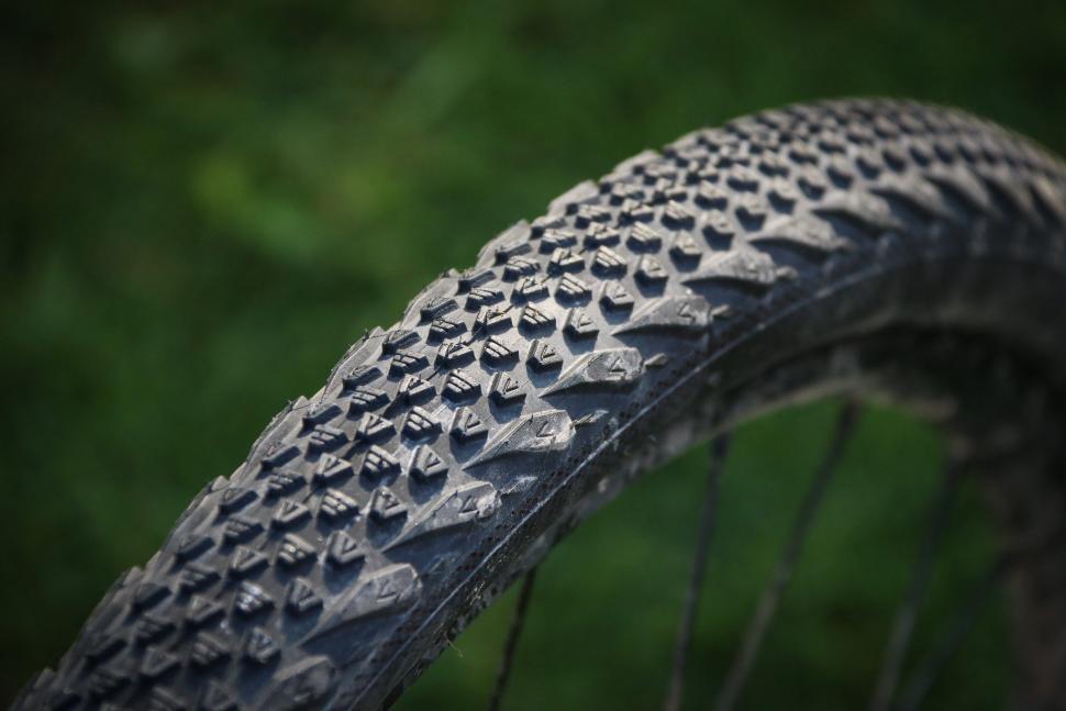 Vee Rail Tyre -1.jpg