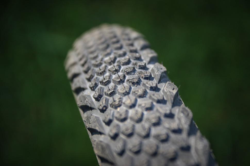 Vee Rail Tyre -3.jpg