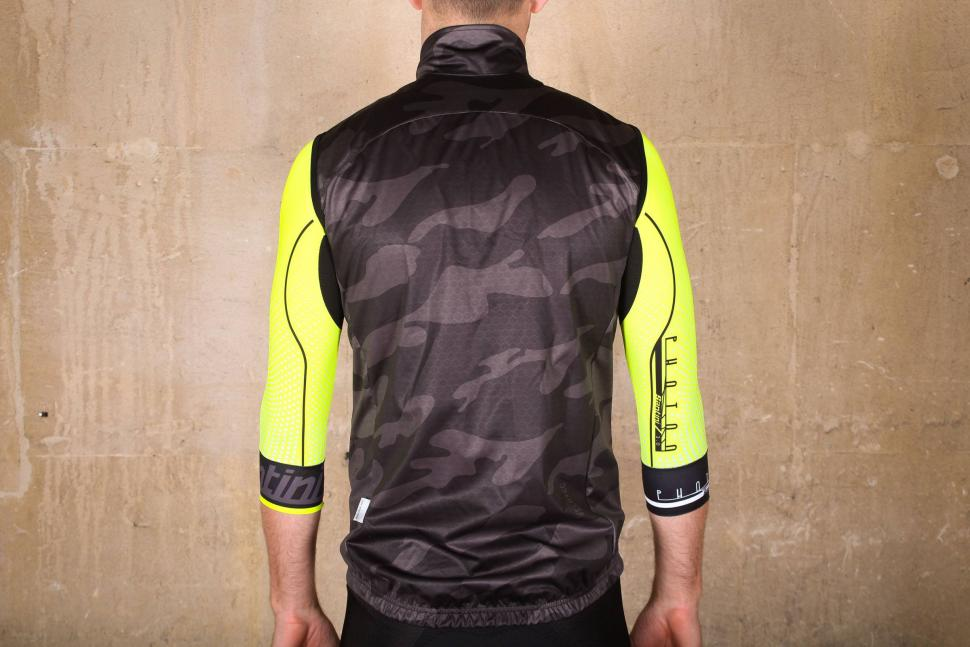 Velotec Elite Camo Waterproof Gilet - back.jpg