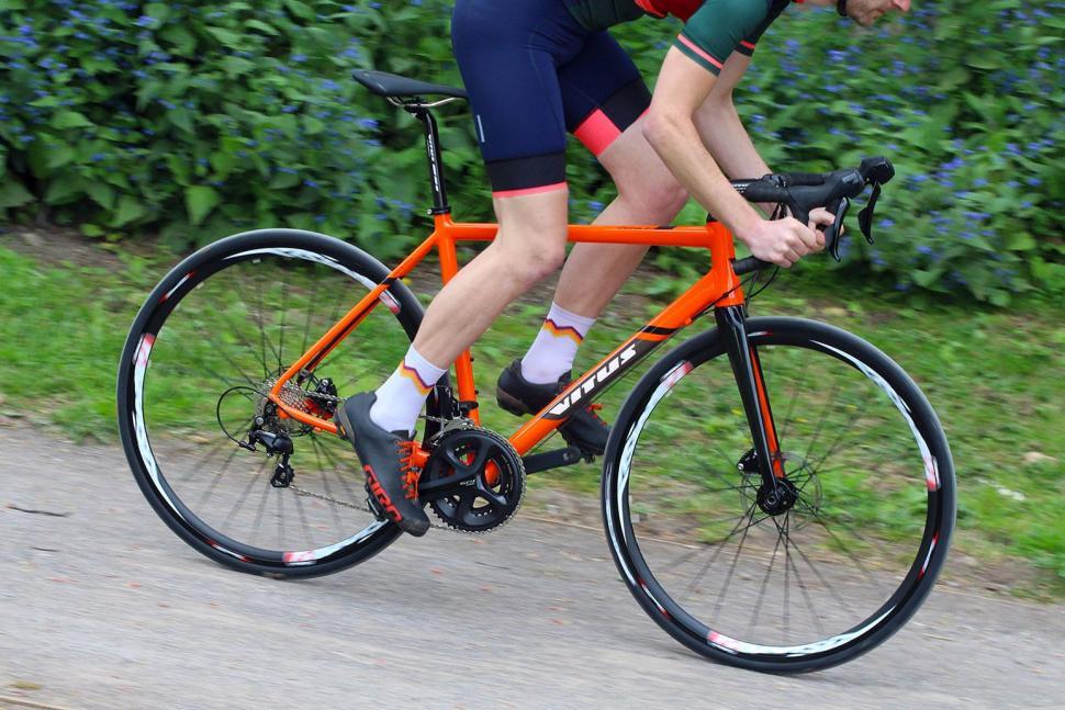 Vitus Zenium SL DIsc - riding 3.jpg