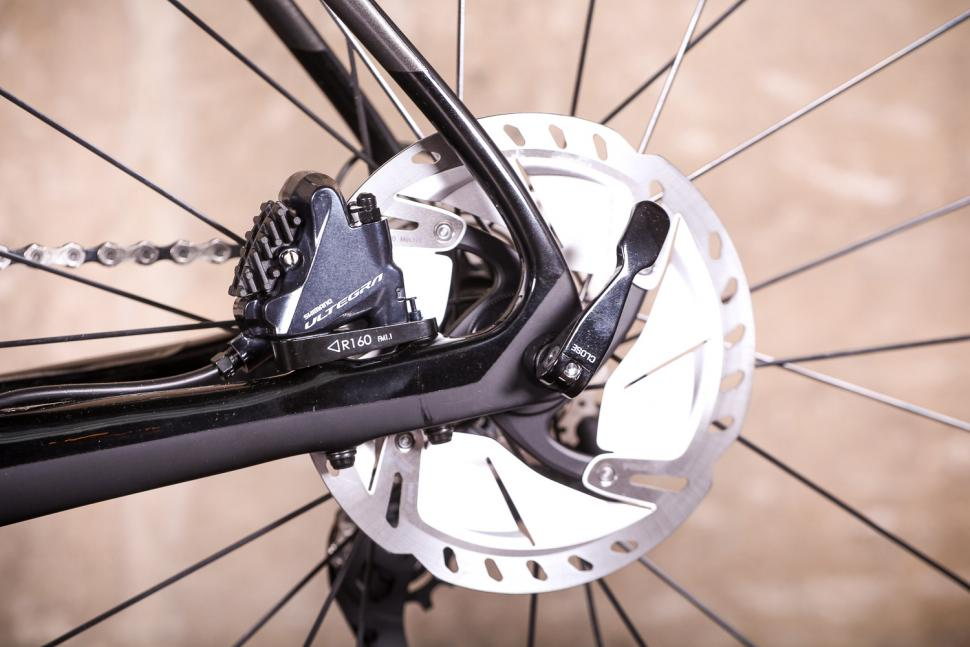 Vitus ZX-1 Ultegra Di2 - rear disc brake.jpg