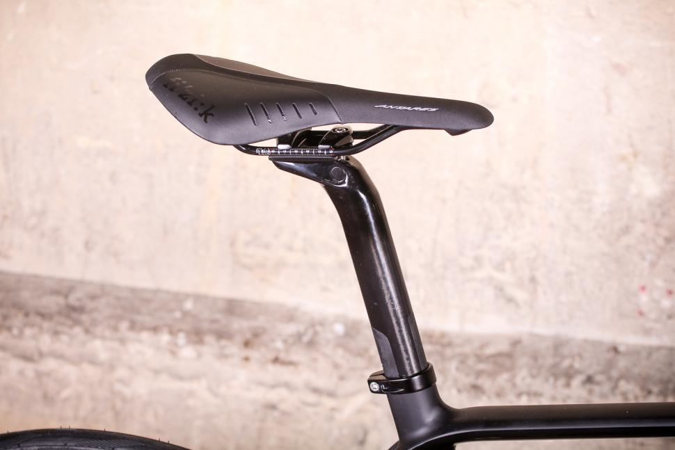 Vitus ZX-1 Ultegra Di2 - saddle and post.jpg