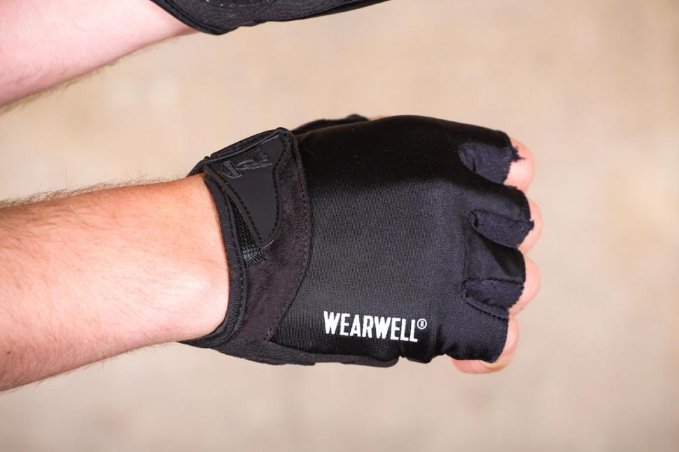 wearwell_cycle_company_revival_mitt_-_back_of_hand.jpg