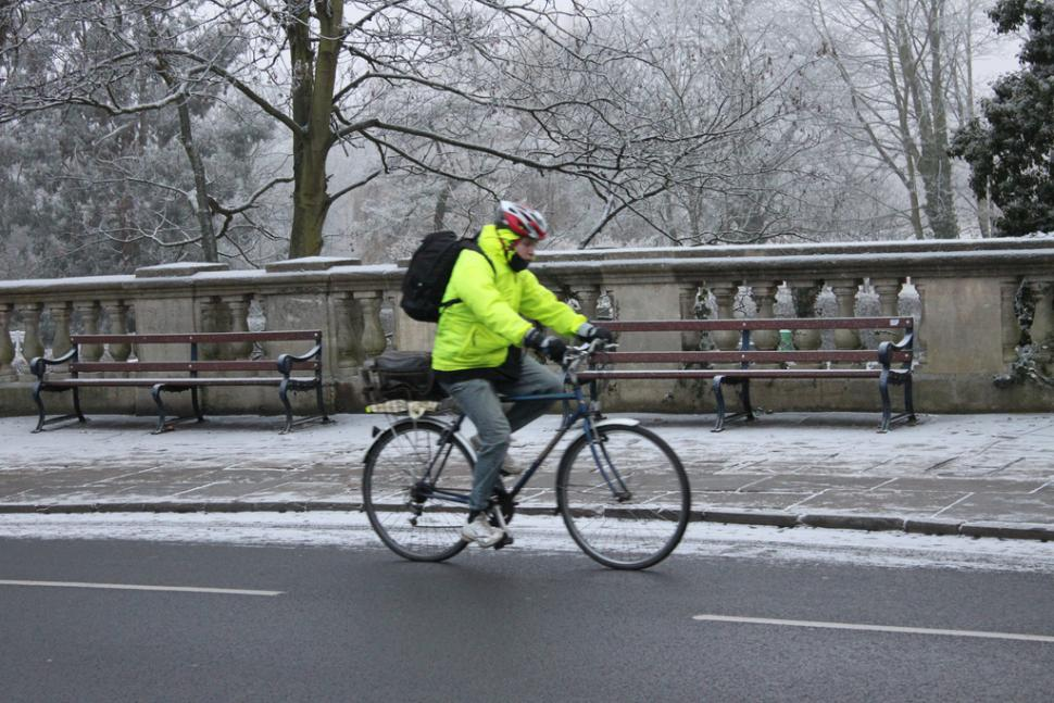 winter cycling cold (Tejvan Pettinger).jpg