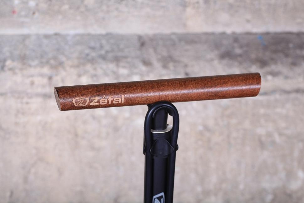 Zefal Profil Max FP60 - handle.jpg