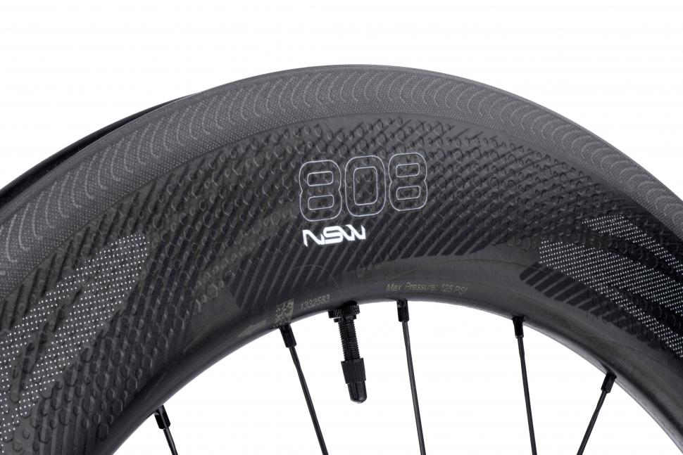 zipp_nsw_808_wheels3.jpg