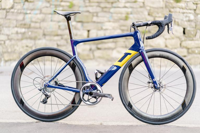 3t strada 2018 team bike2.jpg
