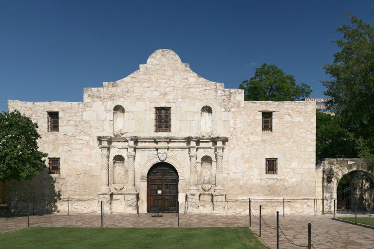 Alamo - image CC licenced Daniel Schwen.jpg