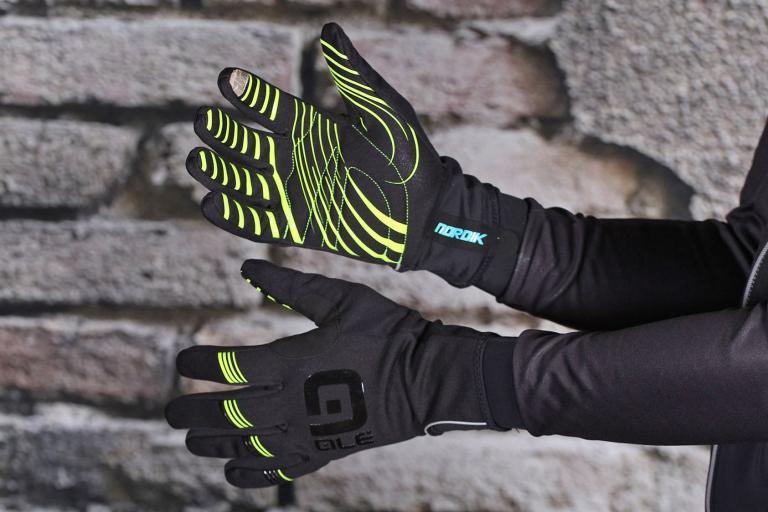 Ale Nordik Glove.jpg