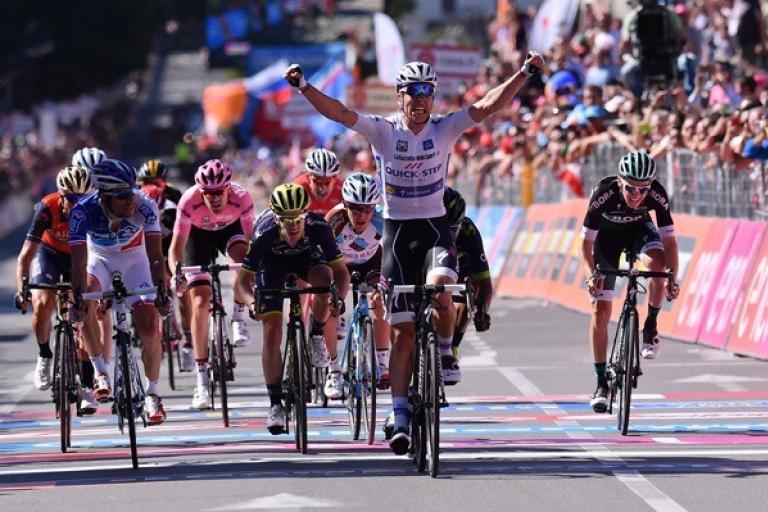 Bob Jungels wins 2017 Giro d'Italia Stage 15 in Bergamo (picture LaPresse).jpg