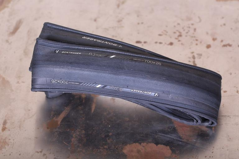 Bontrager R3 TLR Road Tire.jpg