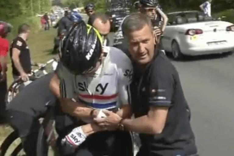 Bradley Wiggins and Richard Freeman at 2011 Tour de France video still.PNG