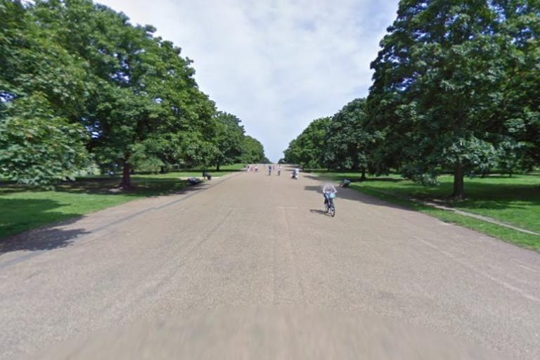 Broad Walk (via StreetView).jpg