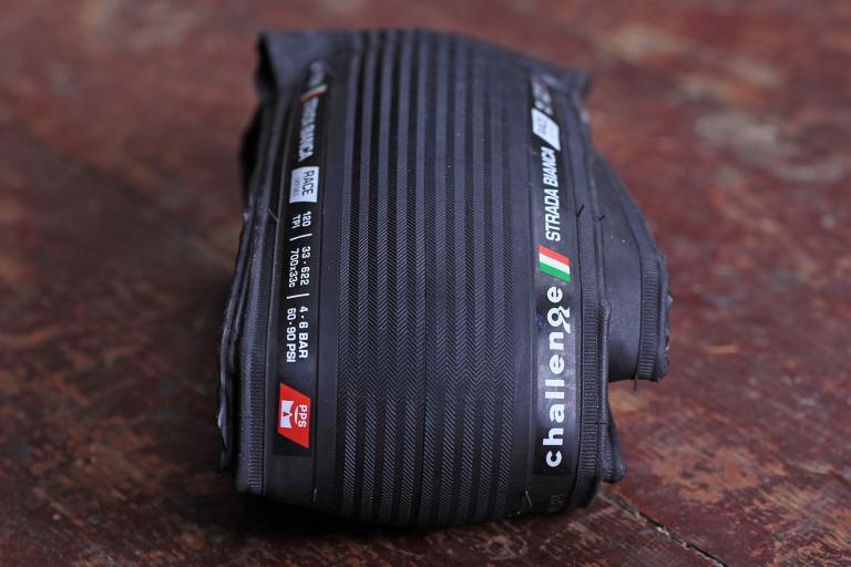 Challenge Strada Bianca Race tyre.jpg