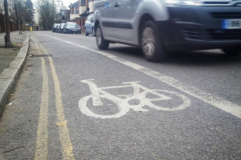 Contraflow cycle lane (copyright Simon MacMichael)