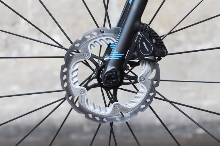 Focus Izalco Max - front disc brake.jpg