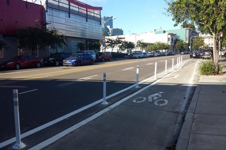 Folsom Street bike lane (SFMTrA via Twitter).jpg