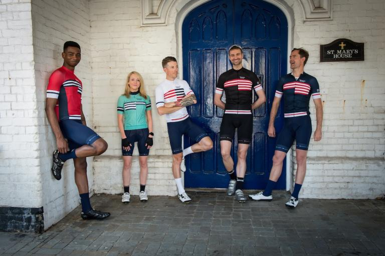 hommage_au_velo_all_jerseys_1.jpg
