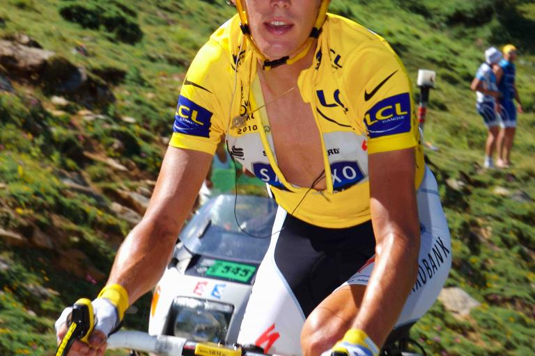 Andy Schleck after dropping his chain on the Aubisque © PhotoSport International.jpg