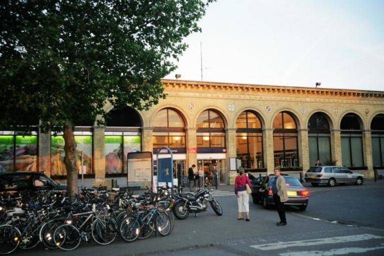 Cambridge railway station.jpg