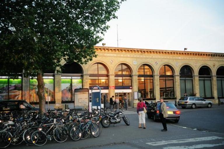 Cambridge railway station.jpg