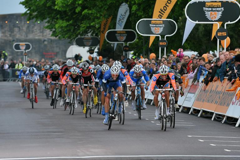 HalfordsTour Series Round 3 Final Sprint (Pic credit - Halfords Tour Series : JoolzeDymond.com).jpg