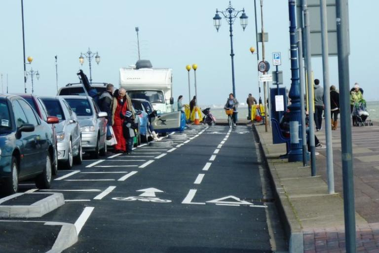 Southsea seafront bike lane (picture credit Hilary:Portsmouth Cycle Forum).jpg