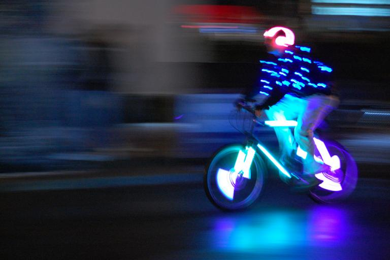 Tron rider (© everyspoon, www.flickr.com)