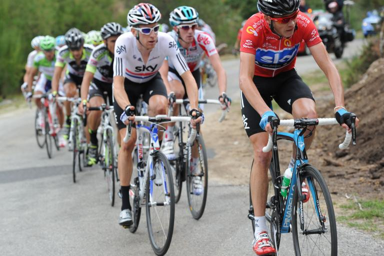 Red jersey Froome works for Bradley Wiggins (copyright: Tour of Spain/Graham Watson).jpg