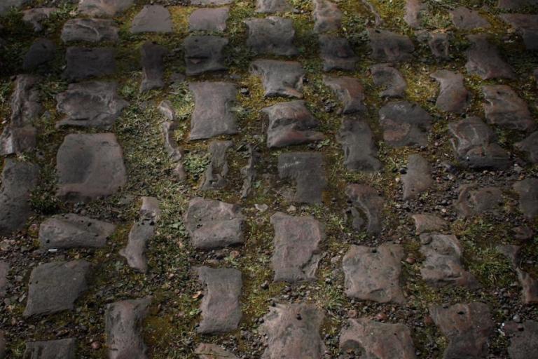 2011 Paris Roubaix 08 Arenberg cobbles Simon MacMichael