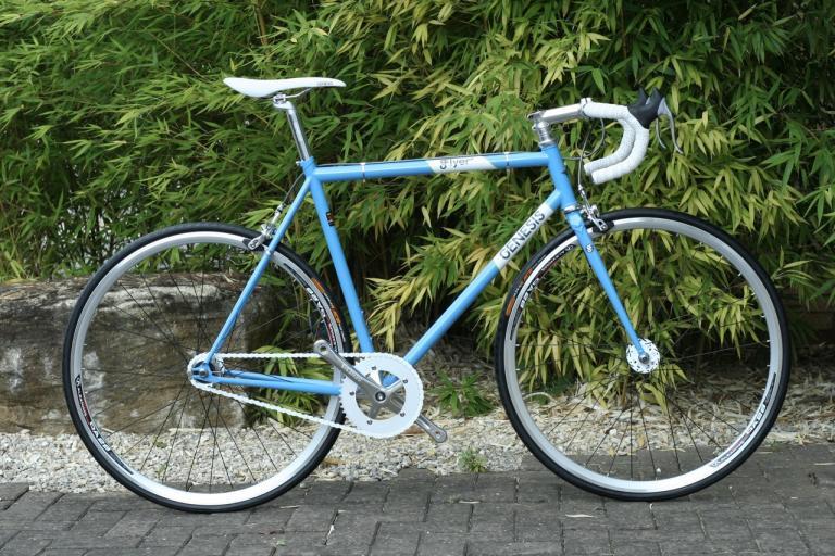 Genesis Flyer 2010 - full bike