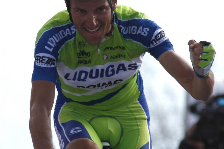 Ivan Basso wins Stage 15 of the 2010 Giro d'Italia (photo:Pentaphoto-Marco Trovati)