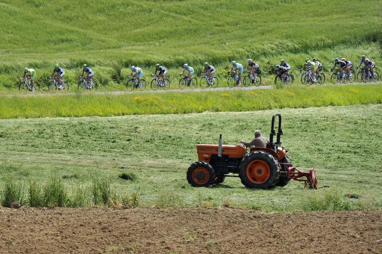Giro 2012 S10 Tractor (Daniele Badolato - LaPresse - RCS Sport)