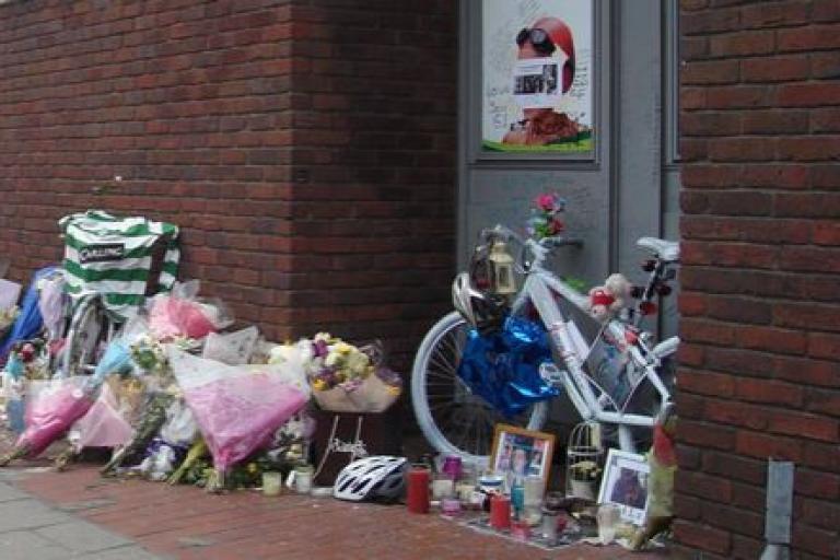 Alan Cartwright tribute on Caledonian Road (source eBay)
