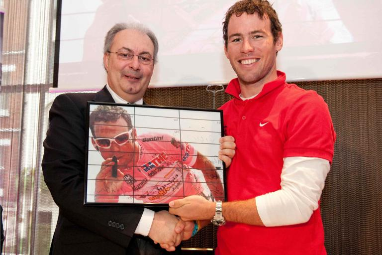 Angelo Zomegnan and Mark Cavendish (credit RCS Sport/Cherryduck Media).jpg