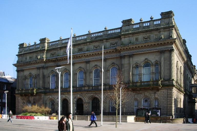 Blackburn Town Hall (Creative Commons 2.0 SA licensed by Alexander P Kapp)