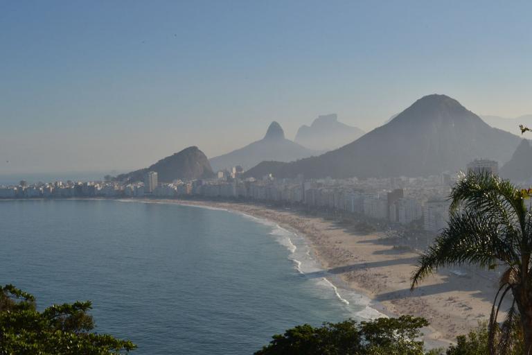 Copacobana beach, Rio de Janeiro (licensed CC BY-SA 3.0 by Joaoluizaranha)
