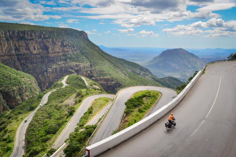 Cycling up the Serra da Leba road Angola - CC-BY-NC 2.0 jbdodane:Flickr