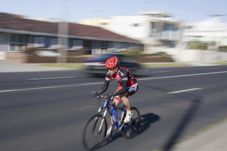 Cyclist on Beach Road, Melbourne (CC licensed on Flickr by sufw)