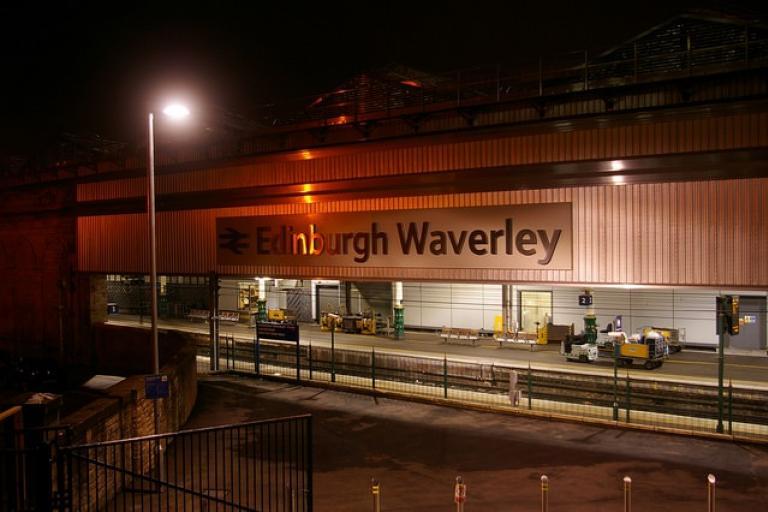 Edinburgh Waverley Station (CC licensed by Hec Tate via Flickr)
