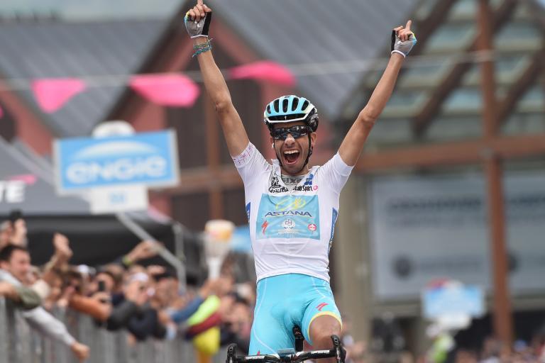 Fabio Aru celebrates winning stage 20 of the 2015 Giro (Photo ANSA, DAL ZENNARO)