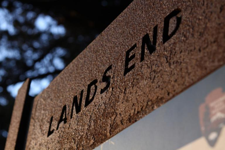 Land's End (CC BY-NC-SA 2.0 licence by Tito Perez:Flickr)