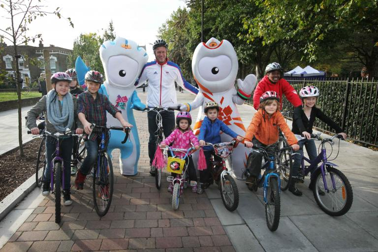 Mark Foster and friends launch new Olympic Walking and Cycling routes (picture courtesy LOCOG)